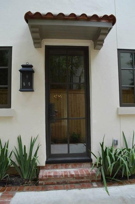 Steel Doors Make Narrow Profiles Possible